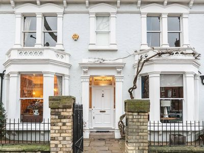Photo for *New* 5 bed Victorian in Zone2