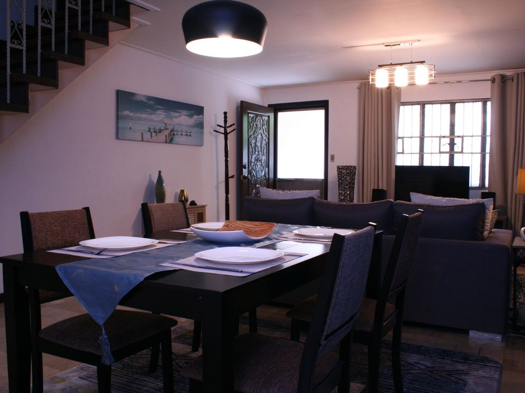 135m2 Townhouse Near Airport With Air Conditioning