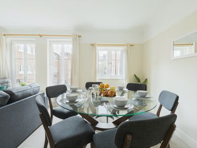 Photo for 2BR FLAT IN THE HEART OF MARYLEBONE