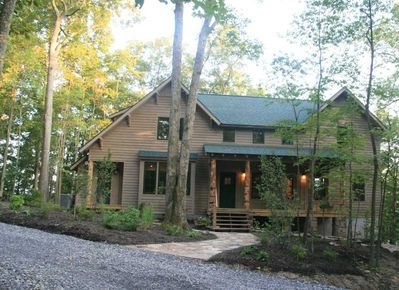 The Paddle House - Luxurious Rentals on the Rim of the New River Gorge