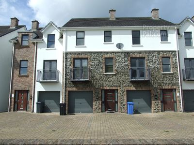 Photo for 4 Bed Townhouse, Portstewart
