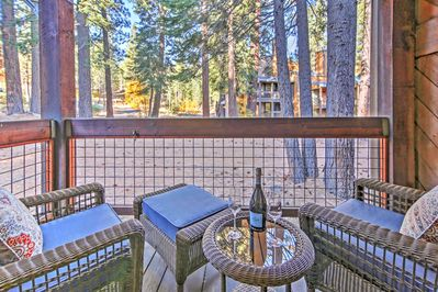 Featuring a private balcony overlooking the peaceful woodlands, this vacation rental condo promises a revitalizing retreat!