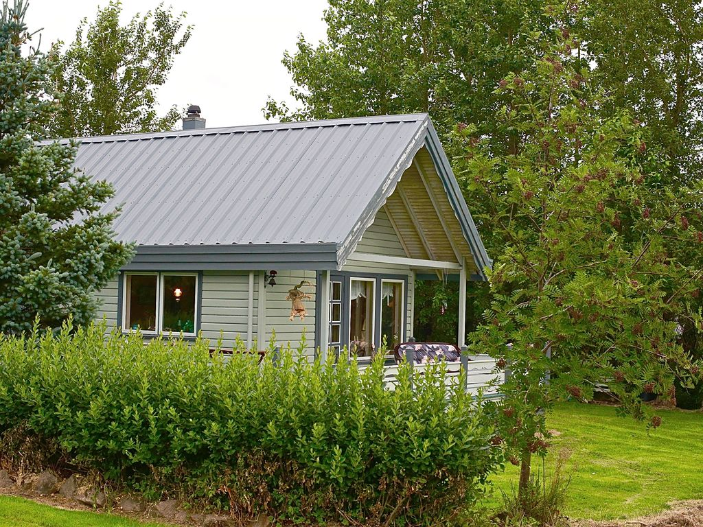 Cozy countryside cottage