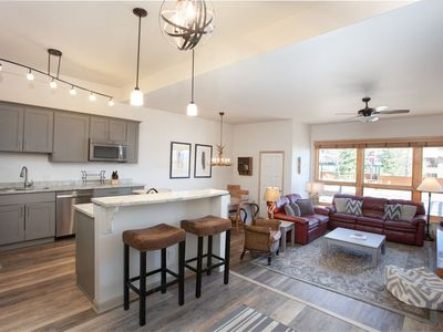 Amazing Kitchen/Living Area - 200ft to Slopes - Hot Tubs - Discount Lift Tix