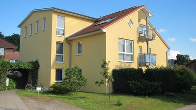 Photo for Modern 3-room apartment 180m to the Baltic Sea