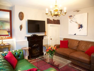 Photo for Sunny, 4 double bedrooms, 2/3 mins to beach, pier and historic south lanes,