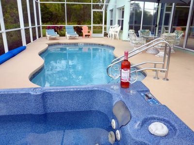 Private Spa and heated pool.  Romantic,  No neighbors.