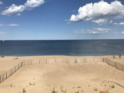 Photo for Oceanfront, Fully fenced-in yard, private access, 4 BR 2 bath