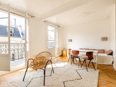 Photo for Contemporary Calm in Paris - Two Bedroom Apartment (veeve)