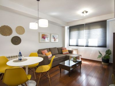 Photo for Luxury apartment, pool, Parking Science Park