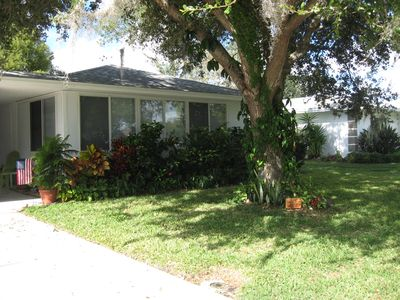 Photo for Charming Old Florida villa - 2.5 miles from Siesta Key Beach