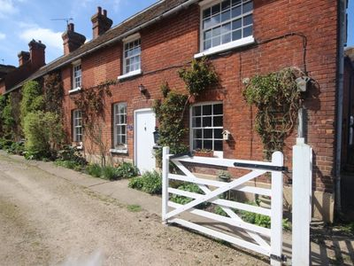 Photo for A charming 2 bedroom cottage in the idyllic pretty village of Ickham, near Canterbury