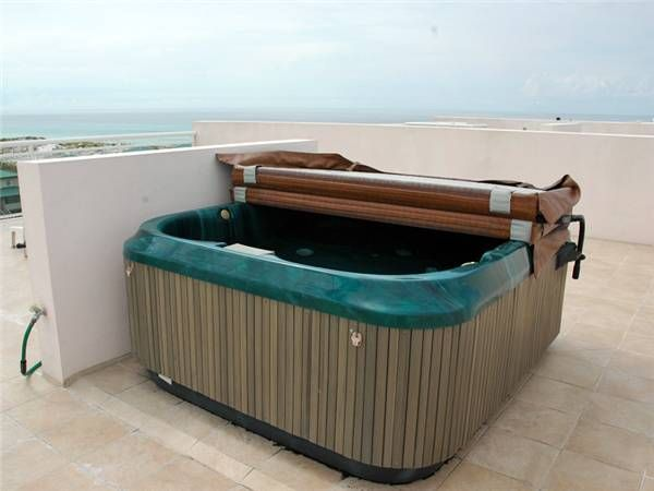 VACATION in paradise with your very own PRIVATE hot tub on the roof!!!