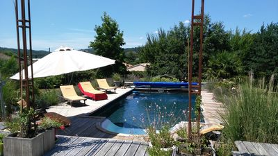 Photo for Superb Perigordian holiday villa with pool and large garden