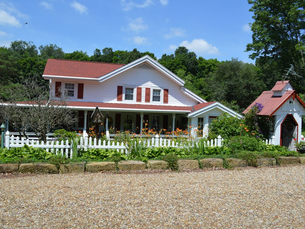 Mohican Farmhouse Restored Historical With Pond And