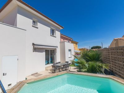 Photo for Charming Villa 4 air conditioned bedrooms with above ground pool near beach