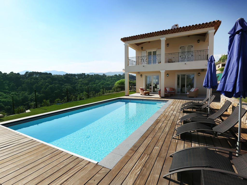 SUPER PROMO !! Heated swimming pool WITH hot tube 1600€ for 5 days for 6 persons