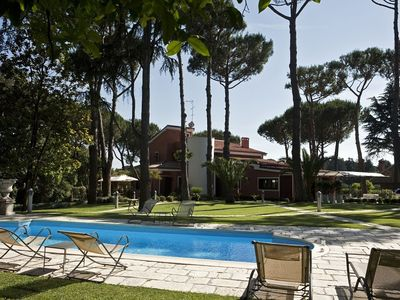 Photo for Villa in Rome with Internet, Pool, Air conditioning, Parking (737402)