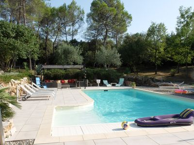 Photo for Private wing in Provencal villa with heated pool in large wooded park