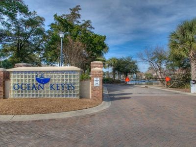 Photo for Ocean Keyes Lakeview Condo 2 blocks from Beach!