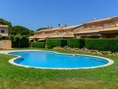 Photo for Costabravaforrent Pinamar, for 5, with communal pool, at 1. 000m from the beach
