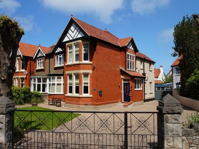 Photo for Located in the seaside resort of Rhos on Sea near Llandudno, Awel Y Môr offers the perfect base to