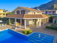 Real nice villa , exactly as the picture show .Exceptionally clean ,