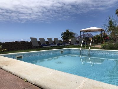 Photo for Sunny chalet, views Atlantic and Teide, free WiFi, garden, pool, barbecue
