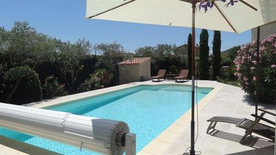 Photo for Villa facing the Luberon with swimming pool