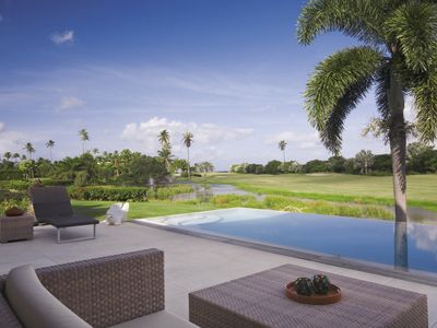 Sunset Ridge - Modern 3 bedroom villa with resort access at the Four Seasons - Free Night included