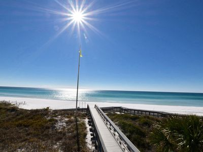 Photo for SUPER LOCATION!2 BR Large Condo w/ Gulf Views/walk to beach & dining. Sleeps 6-8