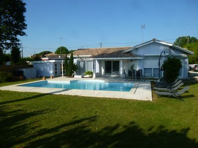 Photo for Contemporary villa 8 pers with heated swimming pool on closed ground of 1080m ²