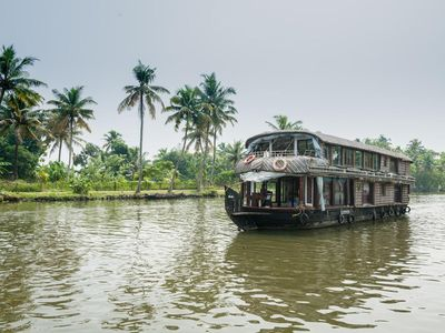 Photo for Meticulous / backwoods Houseboat