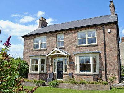 Photo for 4 bedroom property in Helmsley.