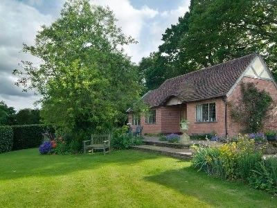 Long Cover Cottage is 4 Star Gold retreat from the outside world.