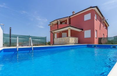 Photo for Villa with private pool, 5 bedrooms, 3 bathrooms, terrace, barbecue and only 500 meters to the beach