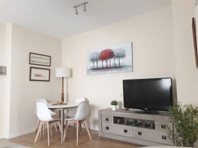 Photo for Triana Family  apartment in Triana with WiFi & lift.