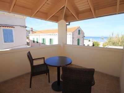 Photo for One bedroom apartment with terrace and sea view Susak (Lošinj)