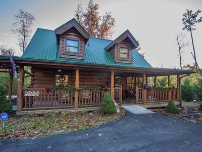 Photo for Liam's Retreat - 2 Bedroom with GameRoom just minutes away from Pigeon Forge