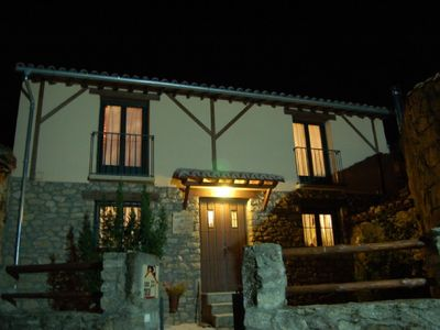 Photo for Self catering El Trampal, Gredos Regional Park, 4 people, Chimney