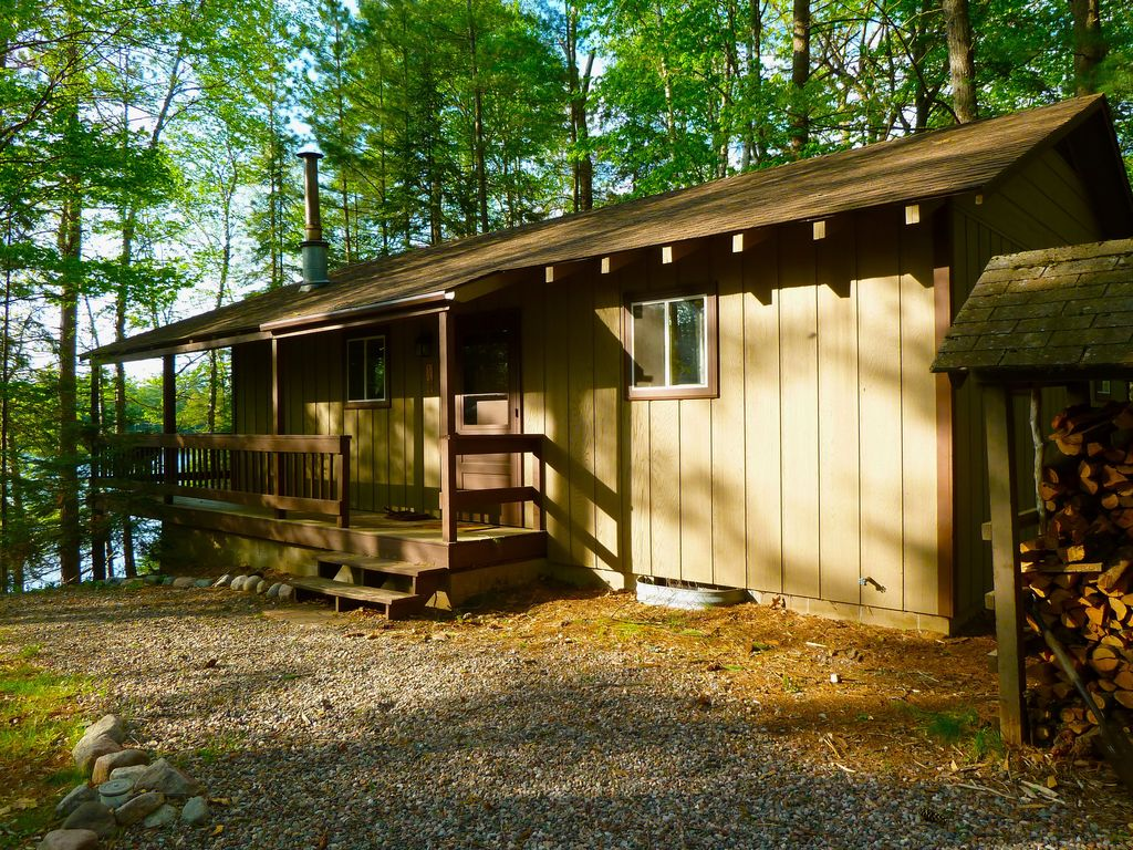 Charming northwoods cabin on wildcat lake very private for Northwoods wisconsin cabin rentals
