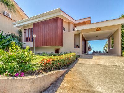 Photo for Hilltop resort villa, amazing oceanview and shared pool! Walk to the beach!