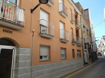 Photo for Lovely 2 Bedroom Apartment, Great Location, 2 Mins Walk To The Beach