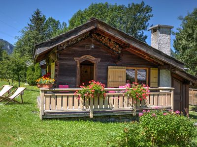 Photo for Charming little cottage for 3/4 people in the Chamonix Valley