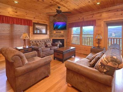 Photo for Tennessee Walts 4 Bedroom Mountain View Home with Hot Tub