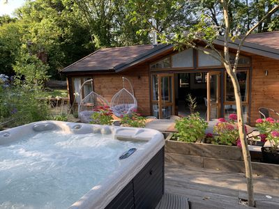 Photo for Modern Lodge * Hot Tub* on the edge of the New Forest