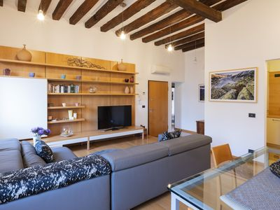 Photo for Bright Apartment in a typical Venetian district to enjoy an authentic atmosphere