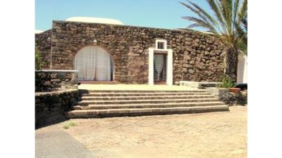 Photo for charming house in old dammuso in Pantelleria - 4 beds