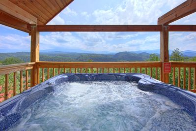 Awesome Views - Experience the incredible views from your hot tub!