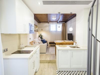 Photo for Apartment with private terrace in Fabiola street